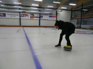 Caught in the act of curling. Photo by Pilar Melendez