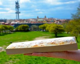 Apple strudel atop a hill. Photo courtesy Justin Smith.